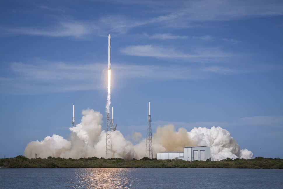 crs6_launch_water